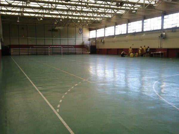 Centro deportivo municipal la elipa madrid pistaenjuego for Piscina municipal arganzuela