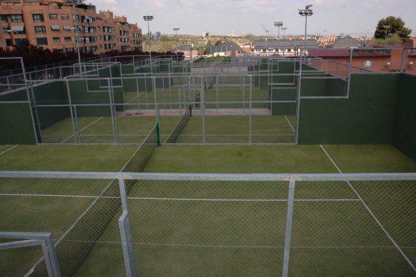 Centro deportivo municipal los prunos madrid pistaenjuego for Piscina valdebernardo