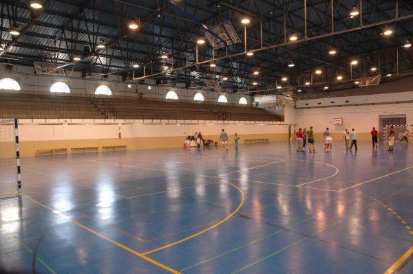 Centro deportivo municipal arganzuela madrid pistaenjuego for Piscina municipal arganzuela