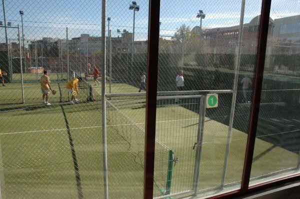 Centro deportivo municipal pradillo madrid pistaenjuego for Piscina municipal aluche