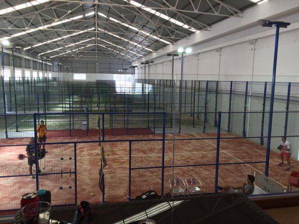 Gm padel indoor m laga pistaenjuego for Pistas de padel malaga